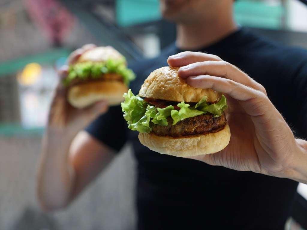 Is er een verband tussen fast food en de toename in astma en allergieën?