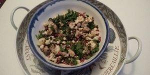 Geroosterde bloemkoolsalade met granaatappelpitten