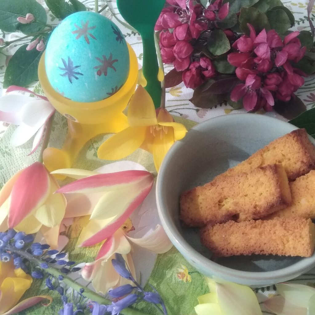 Keto soldaatjes met zacht gekookt ei voor Pasen
