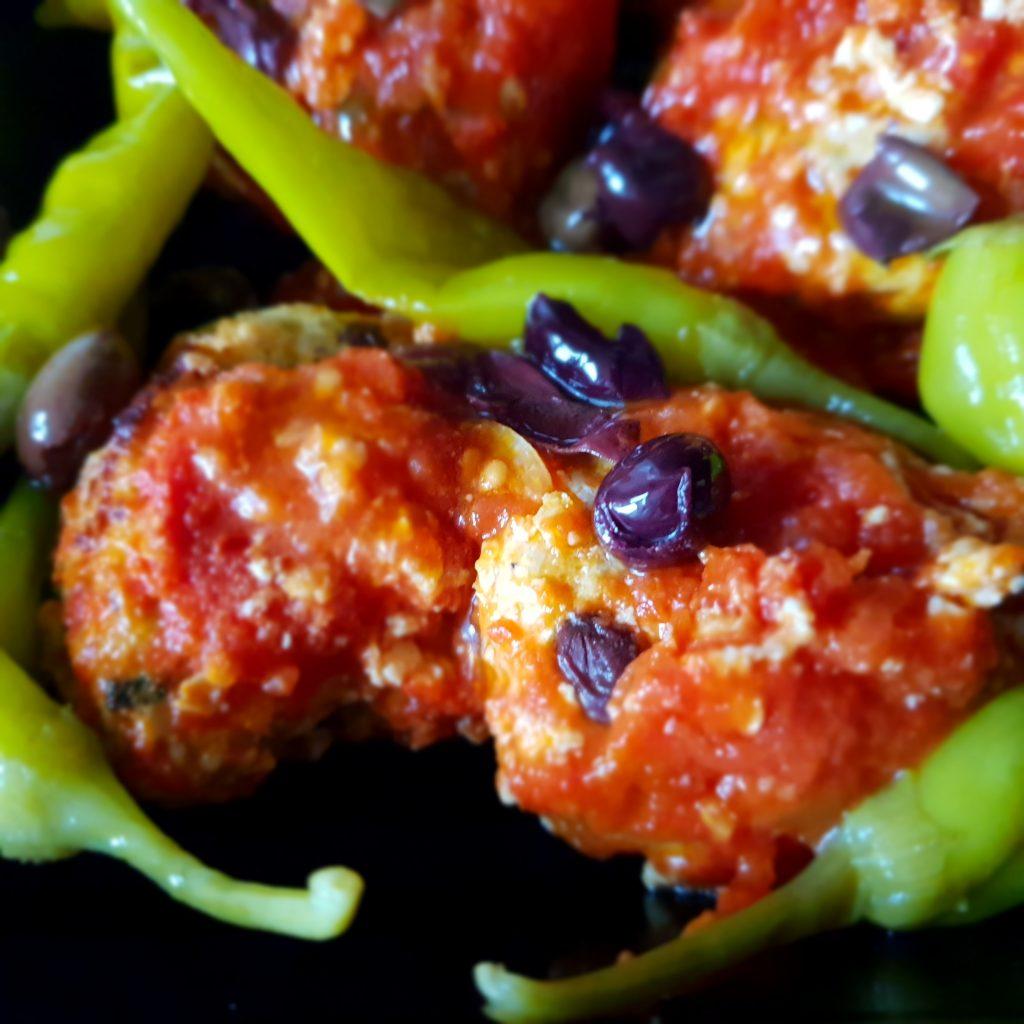 Kipgehaktballetjes in tomatensaus