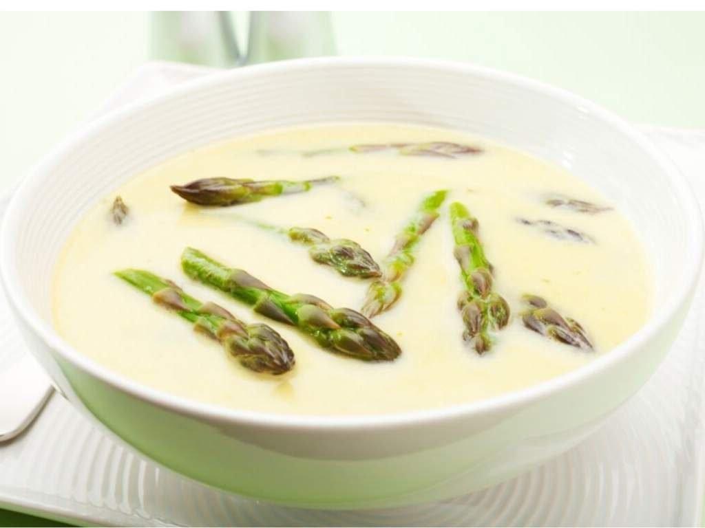 asperge soep met mascarpne en room