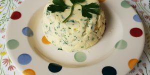 Extra vetten op het keto dieet: kruidenboter